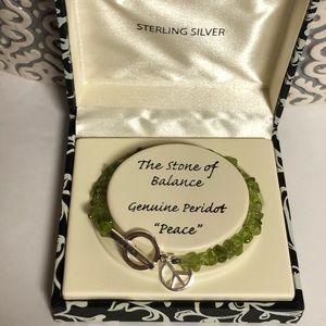 Jewelry - NWOT Peridot Nugget Bracelet